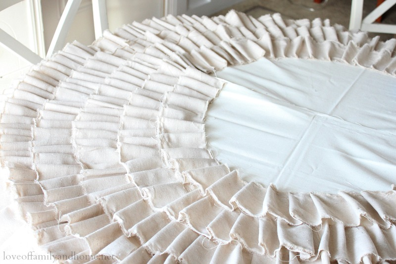 No Sew Ruffle Tree Skirt with Video Tutorial - Love of ... Ruffled Designs