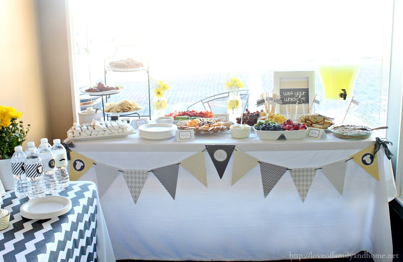 Gray yellow baby shower decorating ideas love of for Baby shower at home decorations