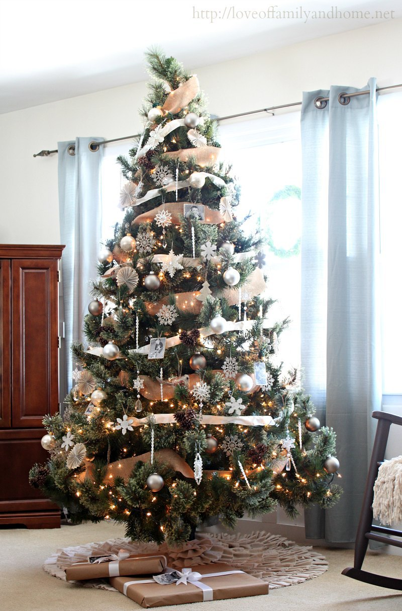Neutral rustic glam christmas tree love of family home - Sapin de noel decoration blanc ...