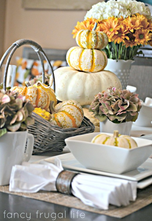 Fall-table-setting-with-white-plates1