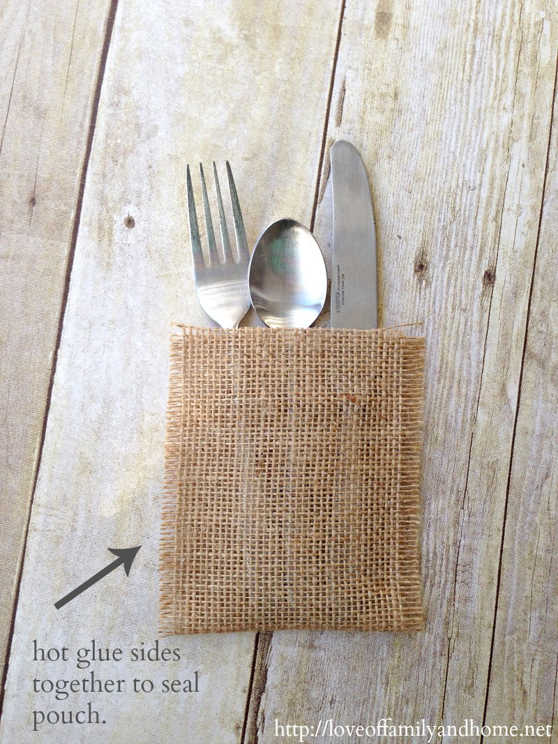 Christmas Place Setting Easy, No-Sew Flatware Pouch {Crate & Barrel Knock-Off} Christmas Place Setting Idea