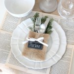 Christmas Place Settings {Easy, No-Sew Flatware Pouch}