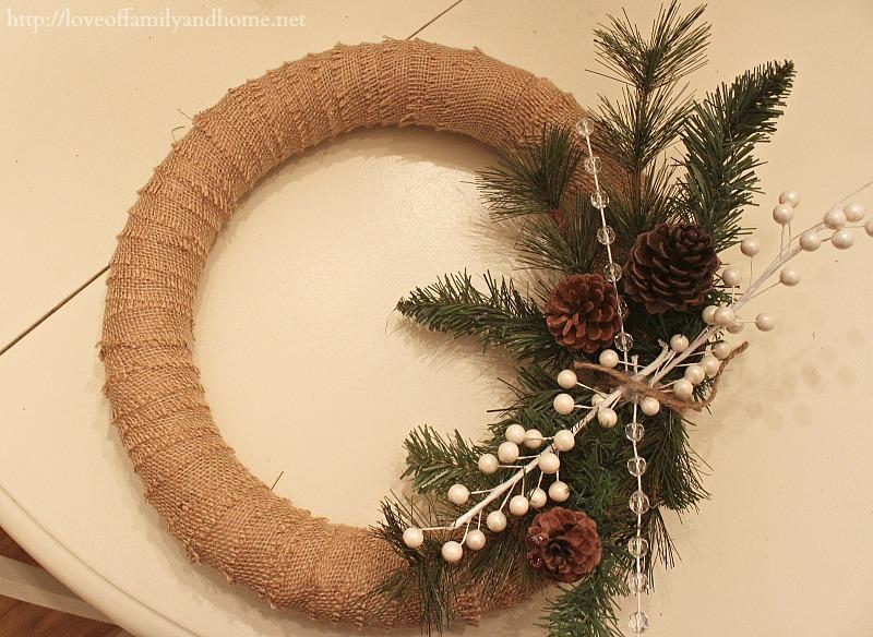 burlap christmas wreath 5 - Christmas Burlap Wreath